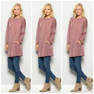 Long sleeve top with side pockets